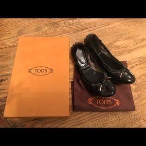 Tod's dee ballerina black patent